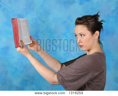 Lady Bíblia 4