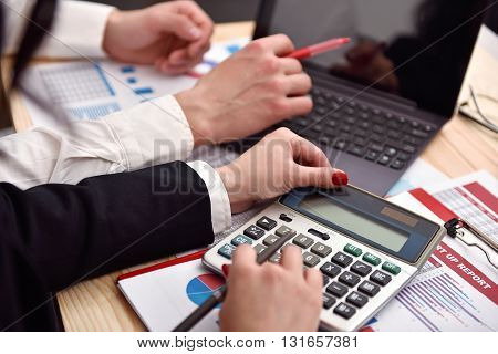 co worker considers on the calculator profit