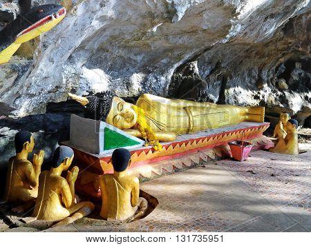 Reclining Buddha - Elephant Cave Vang Vieng