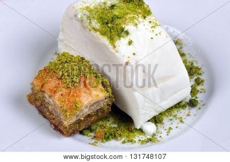Very sweet pistachio baklava and ice cream maras