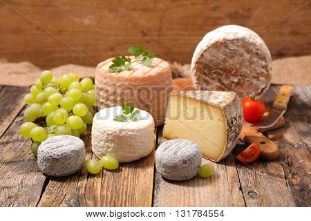 assorted cheese and grape
