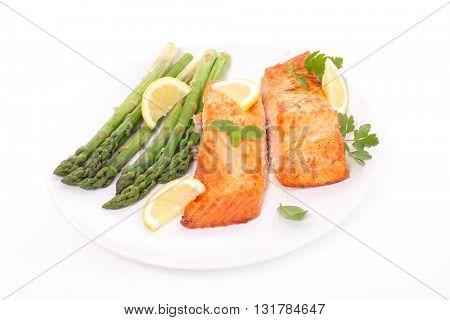 salmon and aspargus