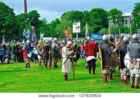 "Reconstruction Battle During The Open Air Festival Of Norwegian Culture ""legends Of The Norwegi"