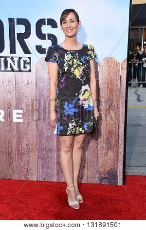 LOS ANGELES - MAY 16:  Liz Cackowski arrives to the