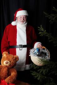 image of gift basket  - Xmas  background - JPG