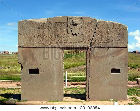 Bolivia, Tiwanaku ruins: Gate of the Sun