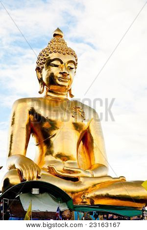 a big golden buddha