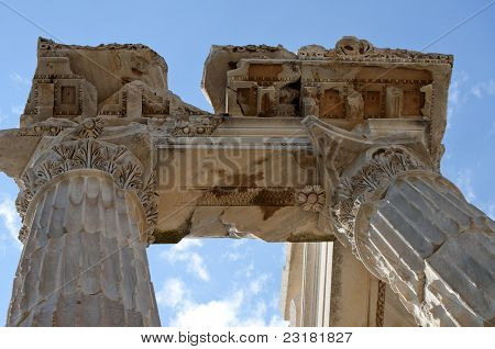 Greek Corinthian Architecture