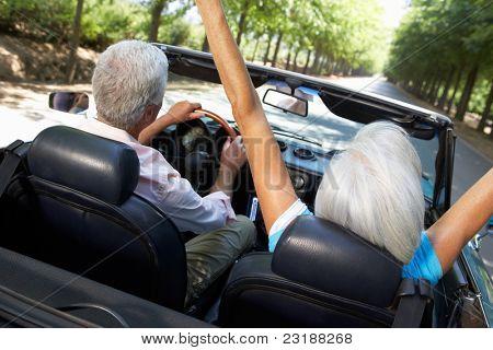 Senior Couple in Sportwagen