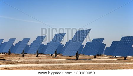 Reflective panels of a solar thermal plant