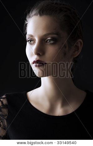 Fashion Low Key Portrait, She Looks At Right