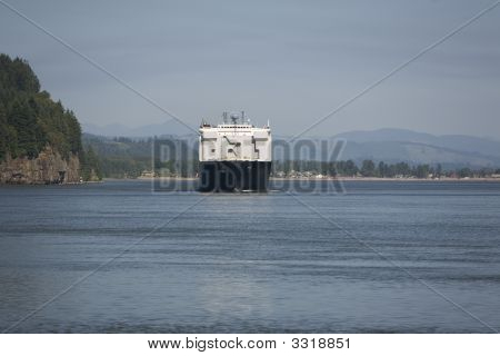 Columbia River Shipping