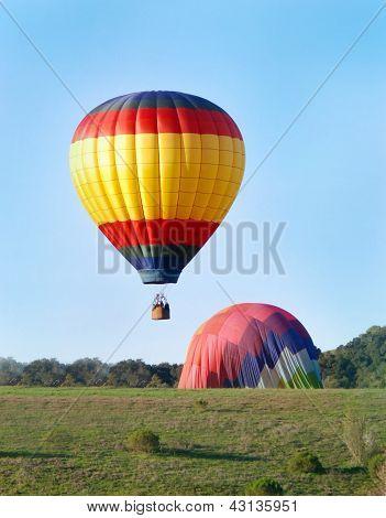 Hot Air Balloons Landing
