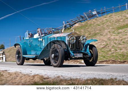 Vintage car-editorial