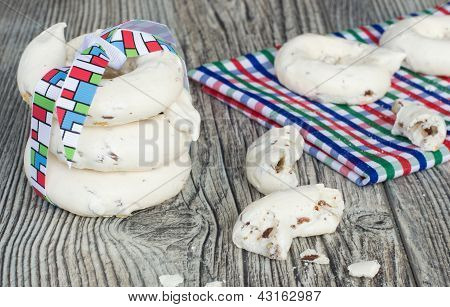 Meringue Rings With Nuts And Chocolate