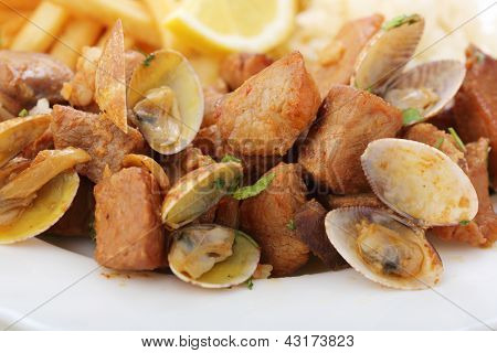 traditional portuguese dish -clams with fried pork meat