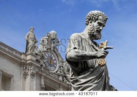 Statue des Heiligen Petrus der Apostel