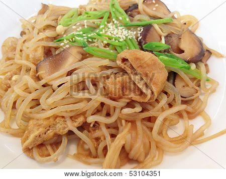Fried Konjac Noodles With Mushroom And Sauce