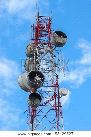High Microwave Mobile Pole Station