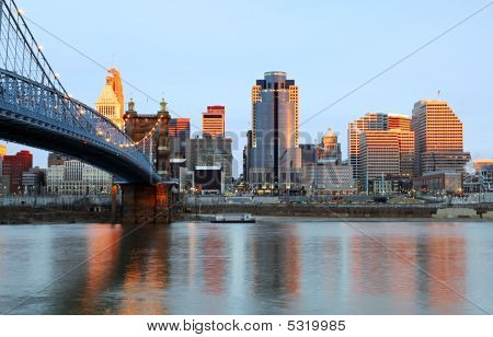 Cincinnati, Ohio-Skyline.