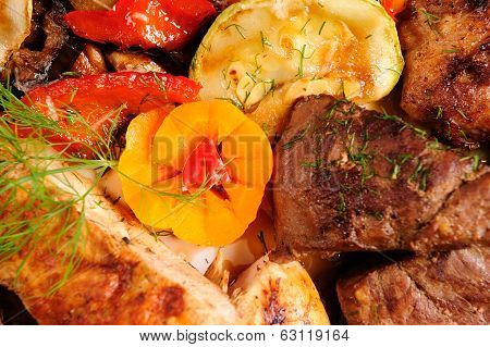 roast with baked vegetables