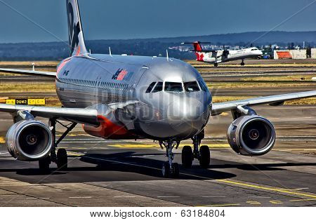 Jetstar aircraft arrives in Sydney
