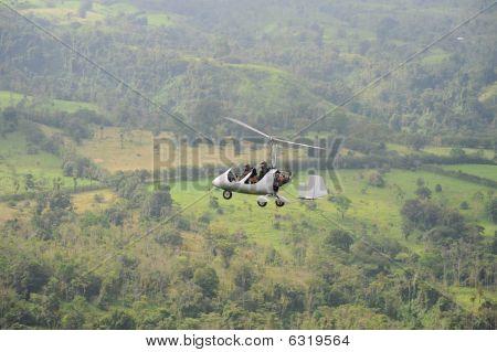 Flyuing autogyro