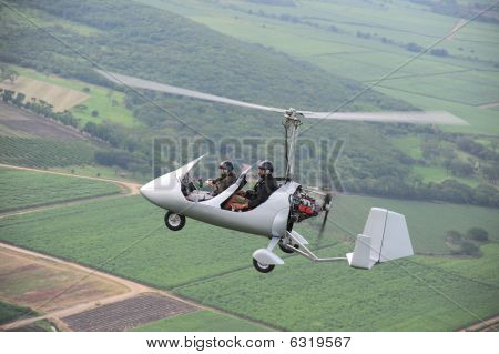 Flying autogyro