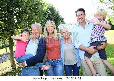 3-generation-family enjoying time together