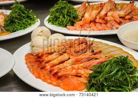 Prepared shrimps, chuka and Vorschmack
