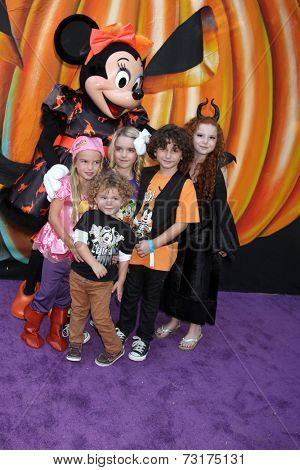 LOS ANGELES - OCT 1:  Mia Talerico, Ocean Maturo, McKenna Grace, August Maturo, Francesca Capaldi at the VIP Disney Halloween Event at Disney Pop Up Store on October 1, 2014 in Glendale, CA
