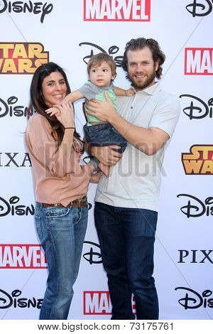 LOS ANGELES - OCT 1:  Cutter Dykstra, Jamie-Lynn Sigler, Beau Kyle Dykstra at the VIP Disney Halloween Event at Disney Consumer Product Pop Up Store on October 1, 2014 in Glendale, CA