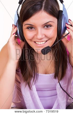 close up of Girl listening Musik