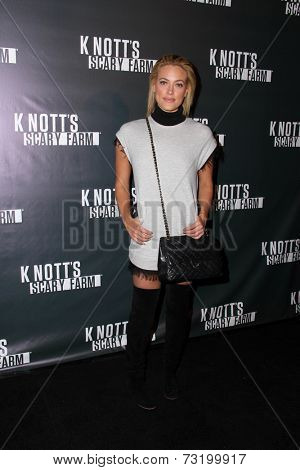 LOS ANGELES - OCT 3:  Peta Murgatroyd at the Knott's Scary Farm Celebrity VIP Opening  at Knott's Berry Farm on October 3, 2014 in Buena Park, CA