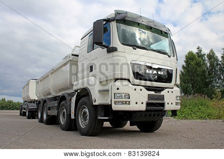 White Man TGS 35.480 Heavy Duty Truck