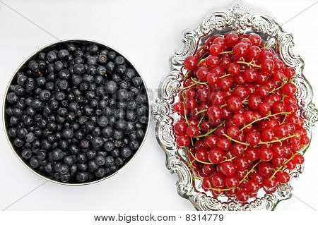 Fresh redcurrant and Blueberries