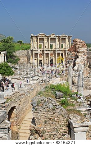 Unidentified Tourists Visit Greek-roman Ruins Of Ephesus, Turkey