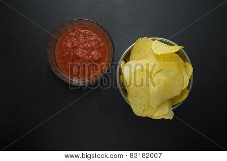 Crisps with tomato sauce from above