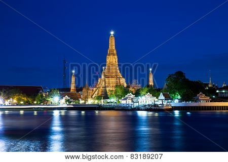 Wat Arun at night, Bangkok, Thailand.