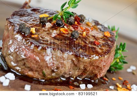 Steak with thyme