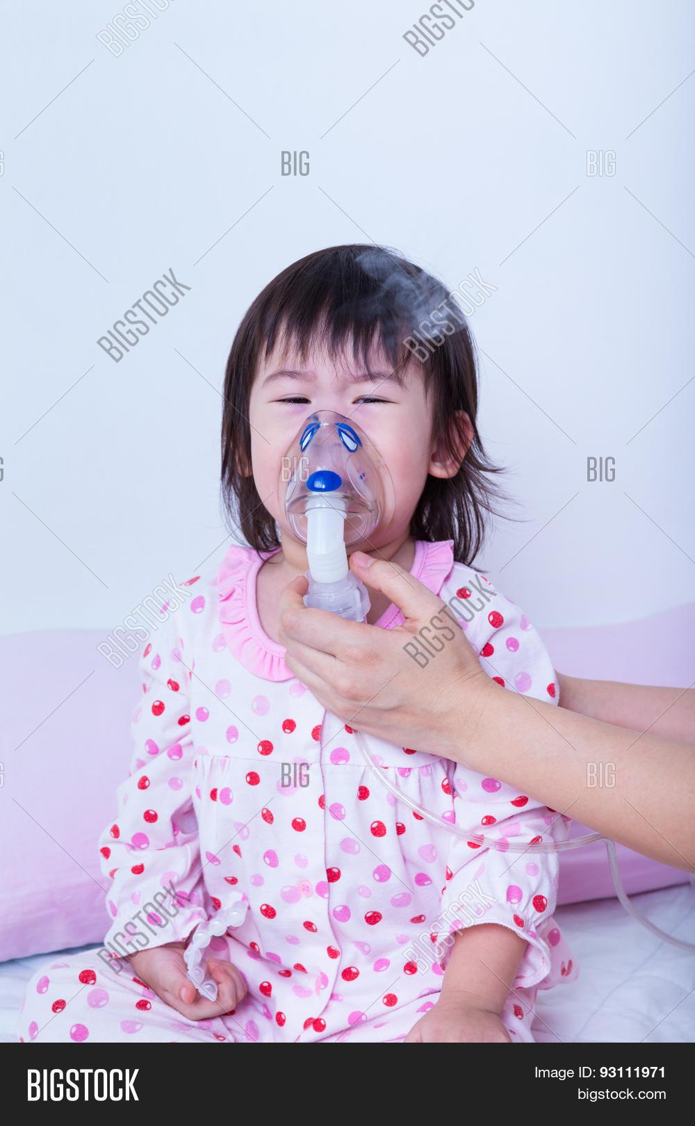 Как маленькому ребёнку сделать ингаляцию