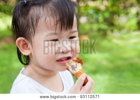 Closeup Little Asian (thai) Girl Enjoy Eating Her Lunch