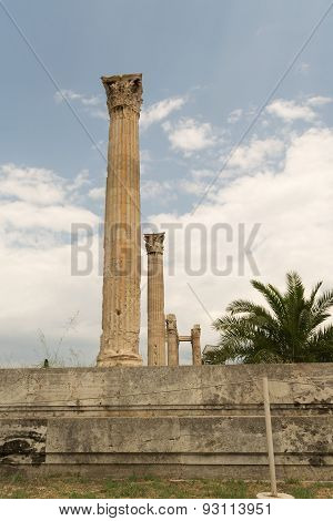 The columns of the temple of Zeus in Athens (Greece).