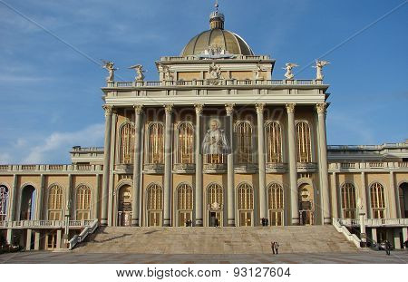 Basilica in Lichen