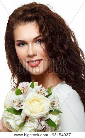 Gorgeous Brunette Bride With Wedding Bouquet