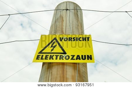 Caution electric fencing