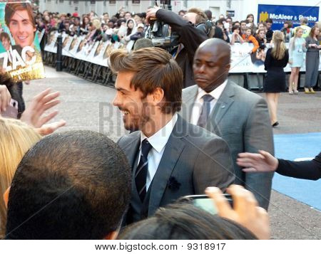 Zac Efron At The Death And Life Of Charlie St Cloud Premiere In Central London 16Th September 2010