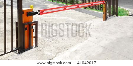 Automatic Rising Arm Or Boom Barrier