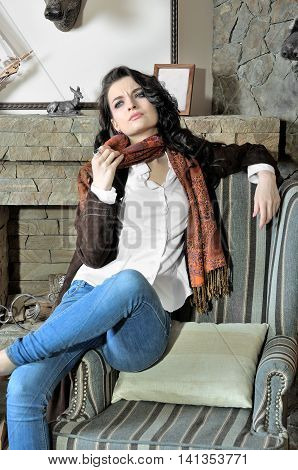 Model Shows Fashionable Clothes
