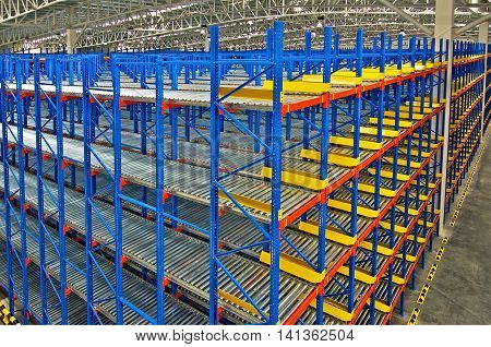 Storage racking pallet system for warehouse metal shelving distribution center
